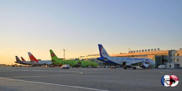 По итогам июля аэропорт Толмачёво обслужил более полумиллиона пассажиров