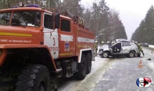 Тричеловека погибли вДТПсгрузовиком подБрянском&nbsp